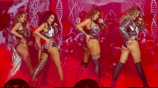 Tohle holky z Little Mix na počátku kariéry nepředváděly...