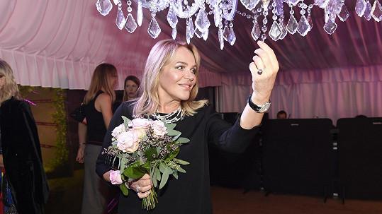 Dagmar Havlová byla ozdobou večírku.