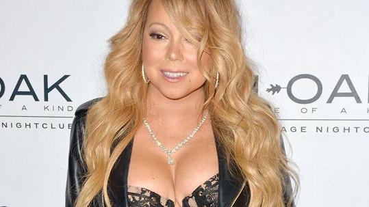 Mariah Carey slaví 49. narozeniny.