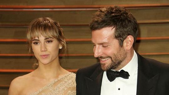 Vztah Bradleyho Coopera a Suki Waterhouse je v troskách.