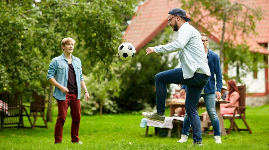Každý není zkušený fotbalista. (ilustrační foto)