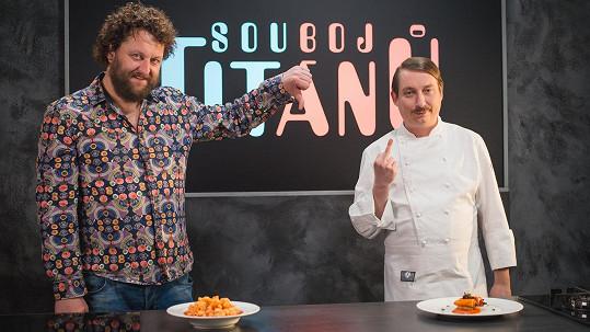 Internetoví kuchaři Robert Mikluš a Míra Hejduk změří síly v Souboji titánů.