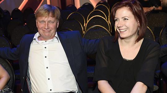 Michal Dlouhý vedle sebe manželku opravdu neměl!