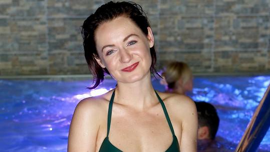 Anna Jiřina Daňhelová se ukázala v bikinách.