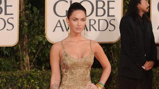 Megan Fox na Zlatých glóbech v roce 2009. Od té doby nepije alkohol, uvedla.