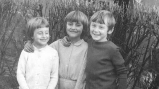 Zdeňka Pohlreich na fotce z dětství (uprostřed)