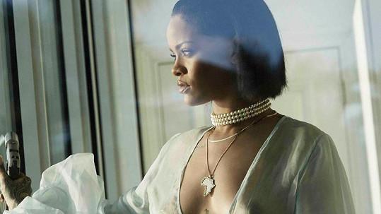 Rihanna už zase provokuje...