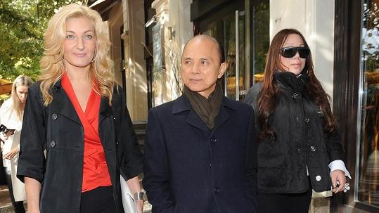 Jimmy Choo vyrazil na procházku po Praze.