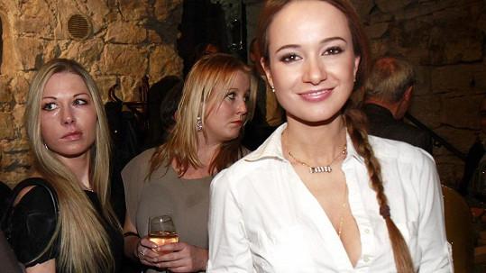 Slávikovy milenky Krézlová (vpravo) a Novotná (vlevo) si mediálně vjely do vlasů.