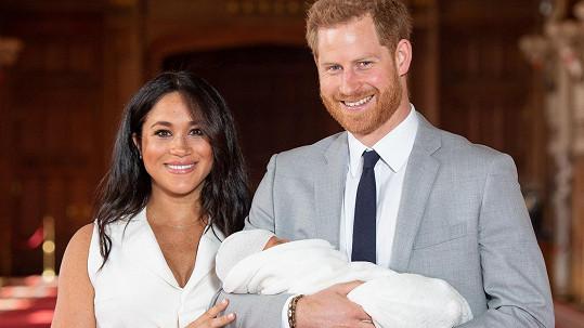Harry a Meghan se pochlubili synem.