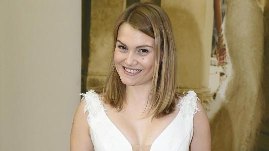 Elis Ochmanová se bude vdávat.