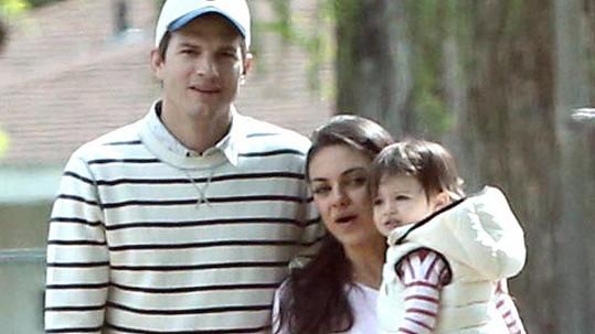 Mila a Ashton mají dalšího potomka.