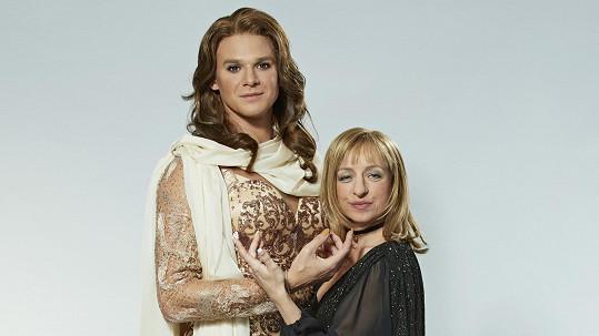 Vojtěch Dyk a Tatiana Vilhelmová jako Céline Dion a Barbra Streisand