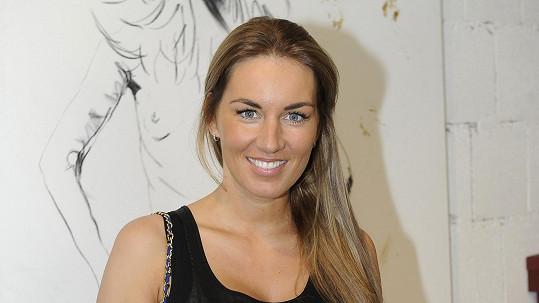 Lucie Králová si hodně zesvětlila vlasy.