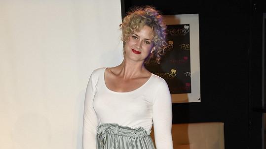 Kateřina Pechová díky svému modelu vypadala jako těhotná.