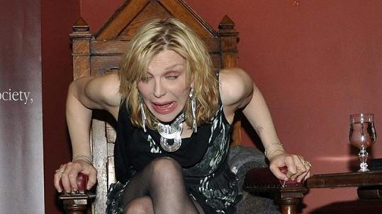 Takhle se chovala Courtney Love na vysoké škole v Dublinu.