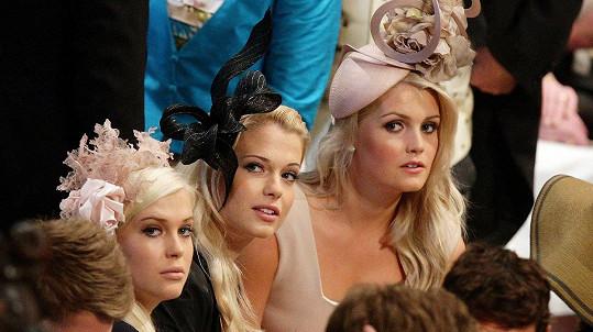 Lady Amelia, Lady Eliza a Lady Kitty na svatbě jejich bratrance prince Williama s Kate Middleton v roce 2011
