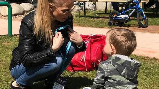 Michaela Ochotská se synem Andrém na tenisovém turnaji v Ostravě