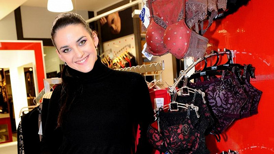 Libuška Vojtková ukázala prádlo, ve kterém bude oslňovat svého přítele.