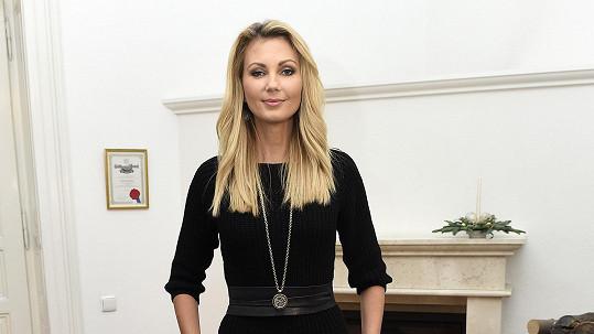 Sandra Parmová oslaví třicetiny.
