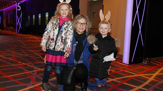 Kateřina Stočesová s dětmi