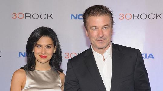 Alec Baldwin se svou mladou manželkou.