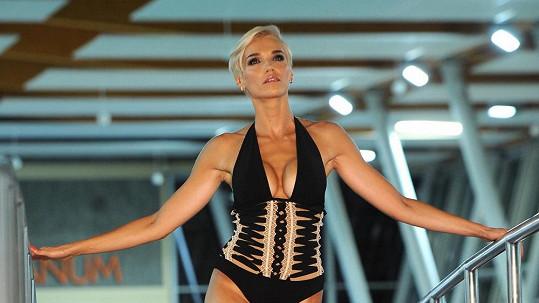 Hana Mašlíková má skvělou postavu.