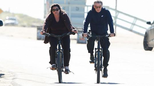 Pierce Brosnan s manželkou