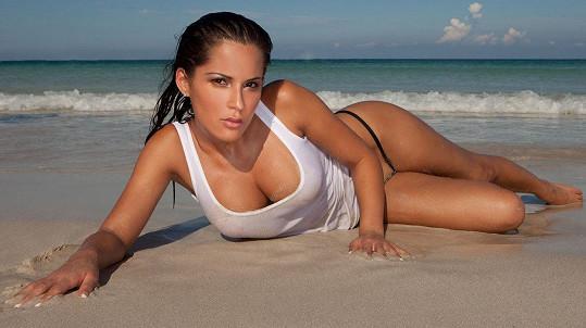 Která žena nechce sexy vzpomínku z pláže? Ilustrační foto