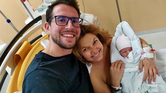 Manželé Antony mají holčičku.