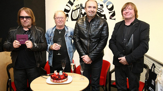 Zleva Jiří Valenta, Petr Janda, Martin Vajgl a Milan Broum
