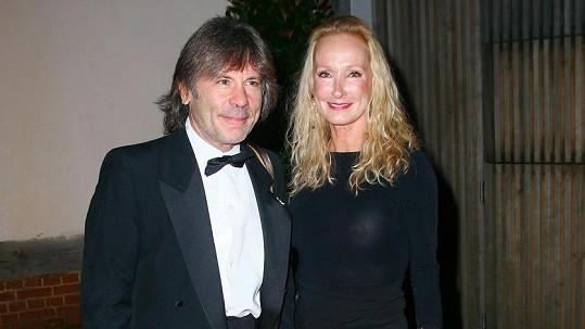 Bruce Dickinson s manželkou Paddy Bowden na snímku z roku 2013