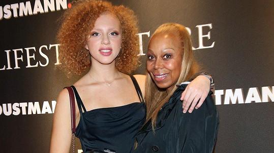 Anna Jermakovová s matkou Angelou