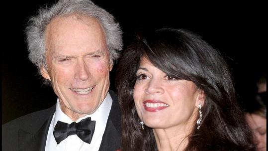 Clint Eastwood s již brzy bývalou manželkou Dinou