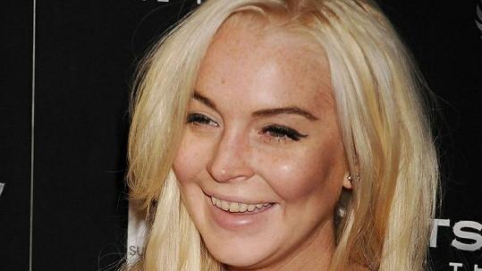 Lindsay Lohan v poslední době asi nestíhala navštívit zubaře.