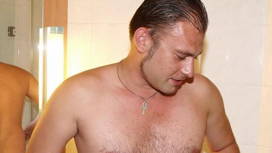 Sebevědomím hýřící Rosťa nezaujal oblečený ani nahý.