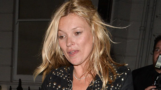 Kate Moss není žádná abstinentka.