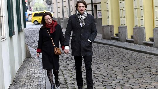 Vojta Dyk přišel s Táňou Vilhelmovou.