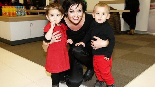 Daniela Révaiová s dvojčaty