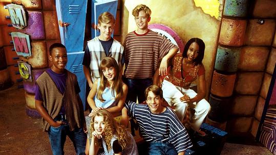 Marque Lynche (vlevo) se slavnějšími kamarády v dětském pořadu Mickey Mouse Club.