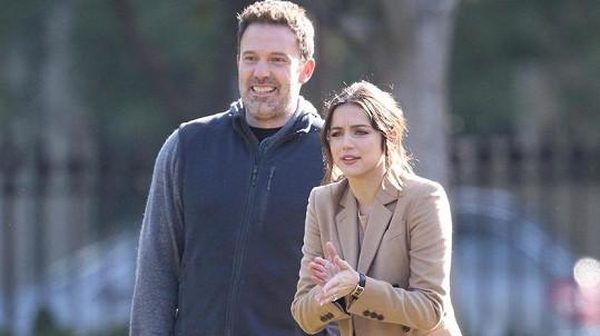 Ben Affleck a Ana de Armas tvoří nový hvězdný pár.