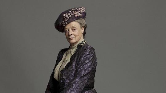 Maggie Smith jako Violeta, hraběnka-vdova z Granthamu, v seriálu Panství Downton.