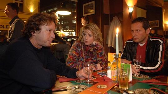 Iveta Bartošová mívala hned dva mobily najednou.