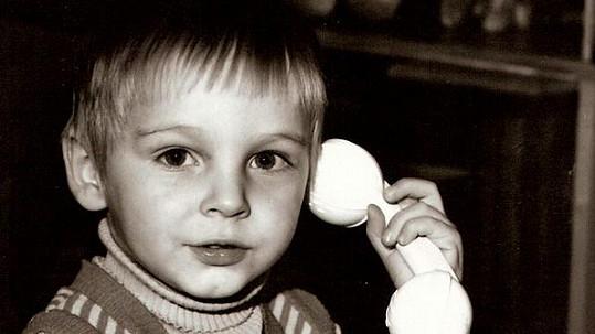 Poznáte malého telefonistu?