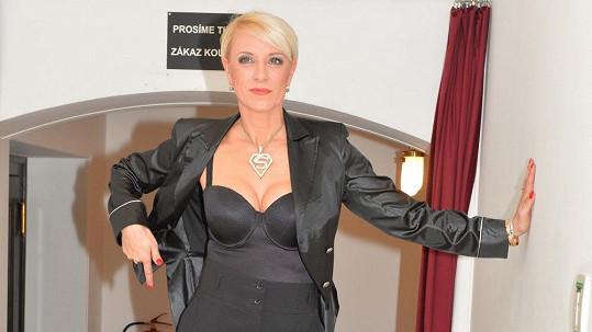 Renata Drössler ve velmi odvážném úboru