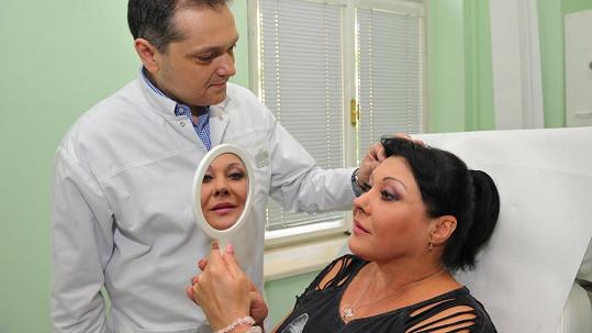 Patrasová si nechala vyplnit své první vrásky botoxem.