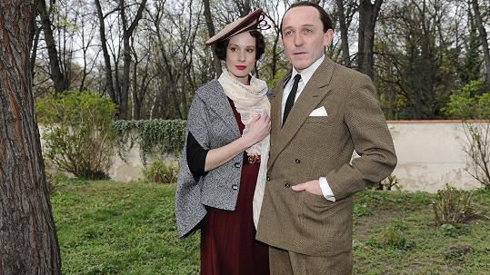 Pauhofová coby Lída Baarová s hereckým kolegou Karlem Markovicsem v roli nacistického pohlavára Goebbelse