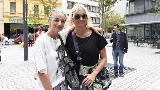 Ivana Jirešová se svou sestrou Martinou