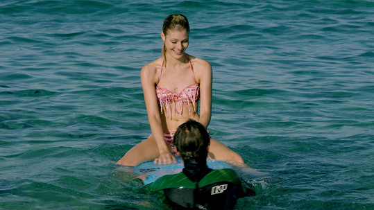 Kateřina Klausová v plavkách