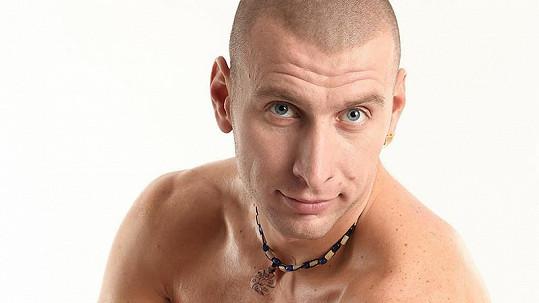 Vladimír se prezentuje jako hodný kluk.
